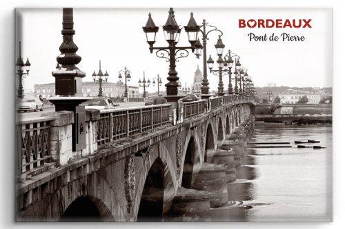 Magnet représentant le Pont de Pierre à Bordeaux