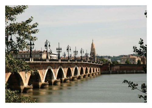 Carte postale Bordeaux matinée au Pont de Pierre