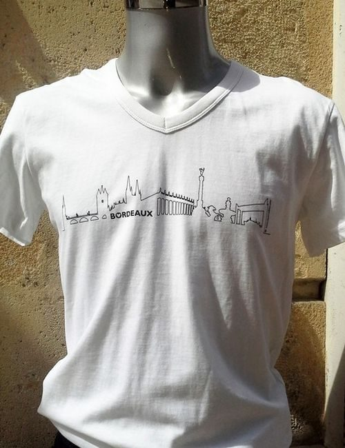 Tee-shirt blanc bordeaux skyline