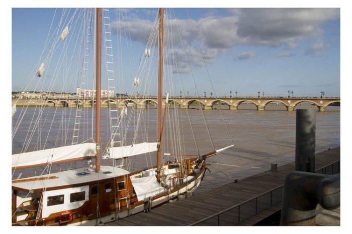 Carte postale Bordeaux Quais