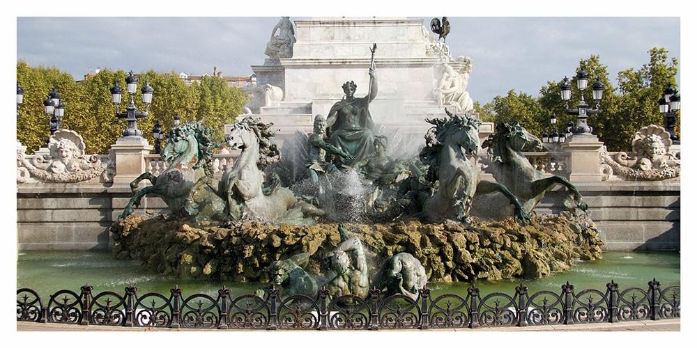 Carte postale panoramique de la Fontaine des Girondins sur Bordeaux