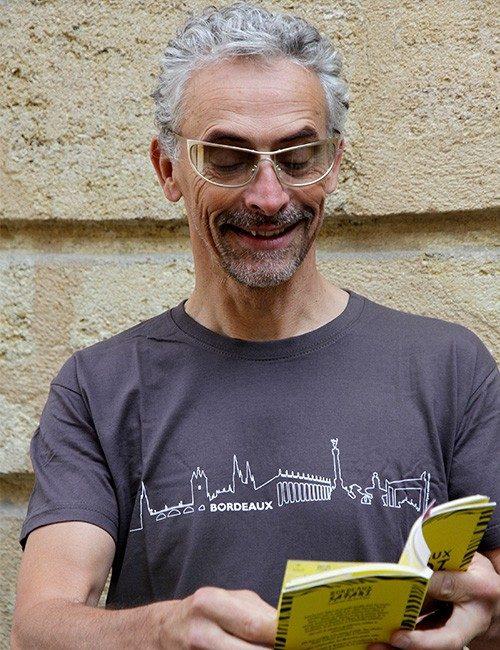 T-shirt avec BORDEAUX Skyline en couleur graphite